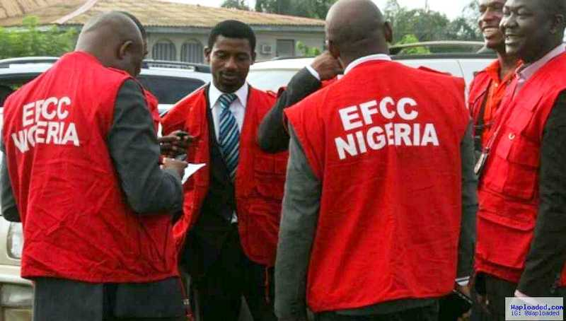 Photo of EFCC Arrests Immigration Officer, 14 Others