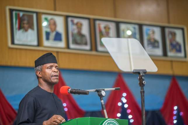 Photo of Osinbajo celebrates Pastors Adeboye, Olukoya as UNILAG's 'firsts'