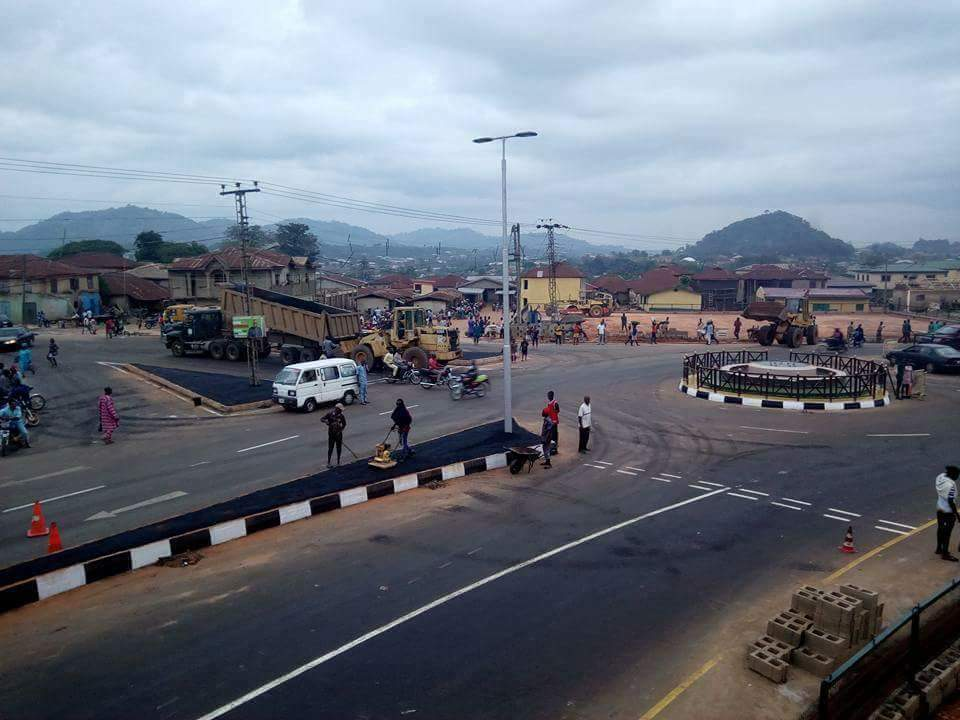 Photo of Ikere Ekiti Stood Agog As Fayose Commission Ado-Ikere Road Dualized, Water-Spin Fountain