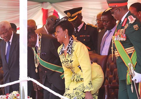 Photo of Your Wife has been Sleeping With Cabinet Ministers – Army Tells Robert Mugabe