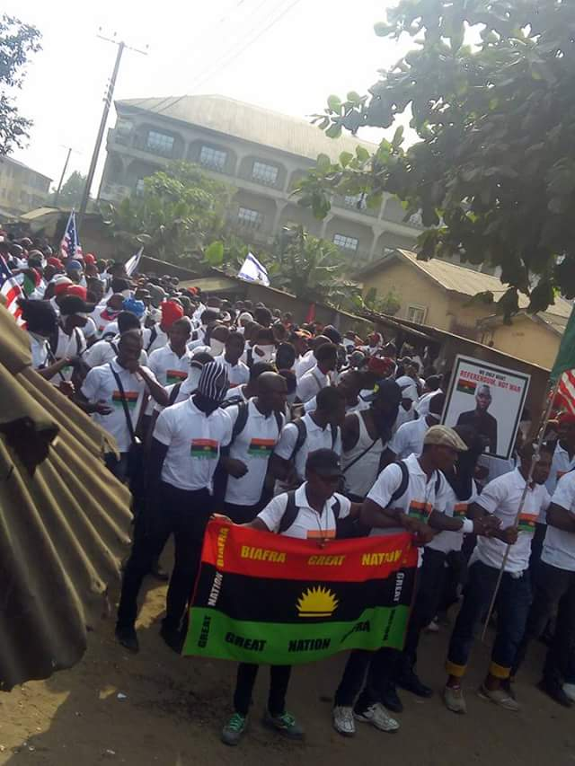 Photo of IPOB Members Protest In Abia, Demand To Know Nnamdi Kanu's Whereabouts