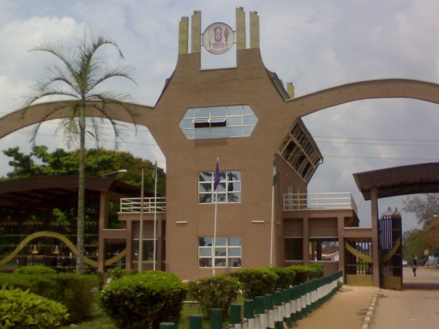 Photo of UNIBEN Student Jumps From Last Floor Dies