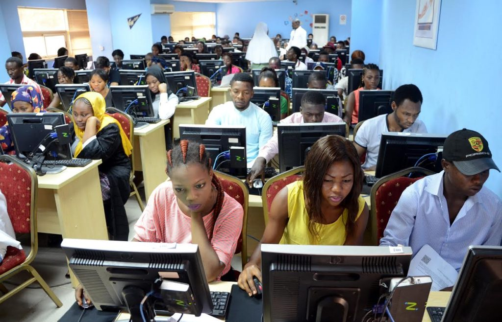 Photo of JAMB 2018: UTME candidates complain over use of computer