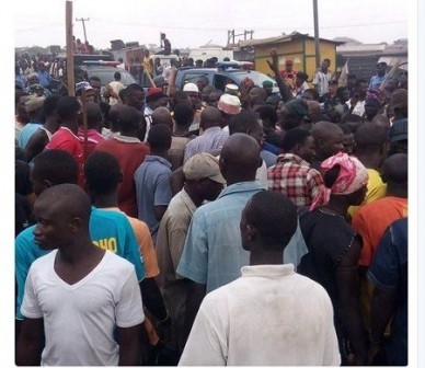 Photo of Tension In Lagos As Yoruba, Hausa Youths Clash