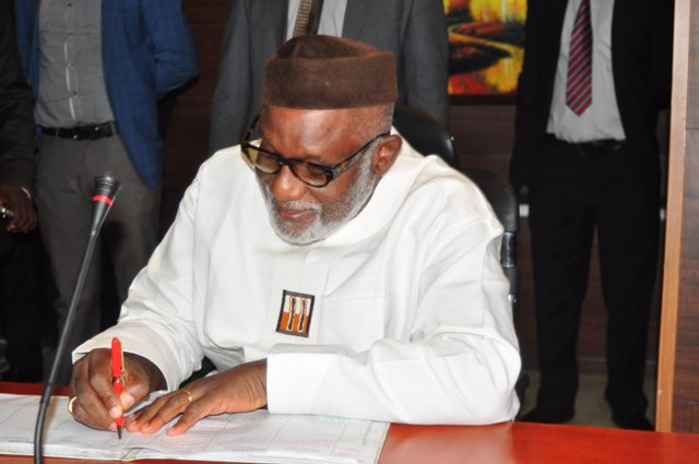 Photo of Akeredolu Sacks 9 Permanent Secretaries In Ondo