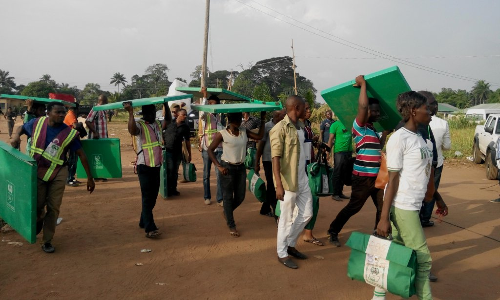 Photo of INEC ad-hoc staff refuse to distribute voting materials in 25 wards In Lagos