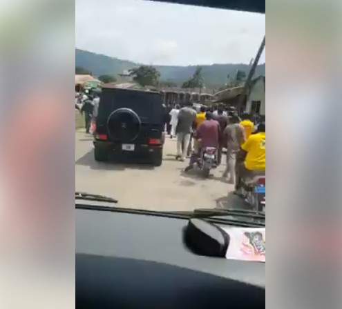 Photo of VIDEO: Kogi Youths Guard Dino Melaye After Police Withdraws His Security