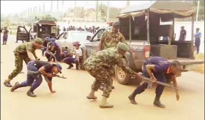 Photo of 3 Dead, Many Injured As Soldiers Clash With Police In Aba