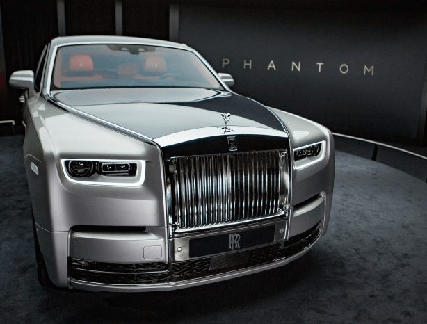 Photo of Ekiti Monarch Acquires New Rolls Royce, Joins 5 Others Nigerian Monarchs Using Luxury Car