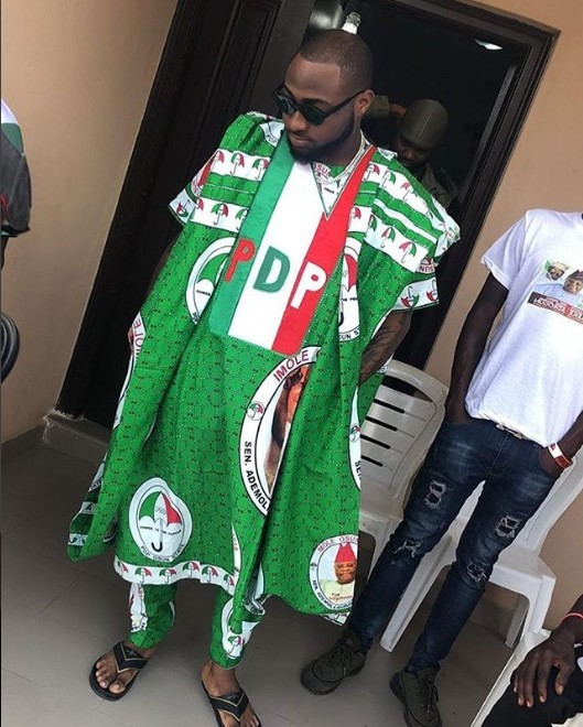 Photo of Osun Election: Davido Wearing PDP Customized Agbada For Osun Campaign