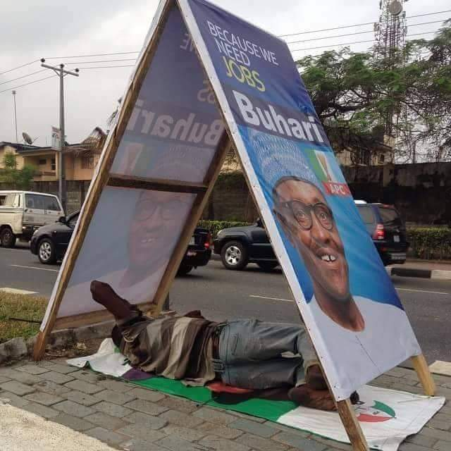 Photo of Weekend Joke: Homeless Man Using PDP's Banner As Bed, APC's Flex As Roof