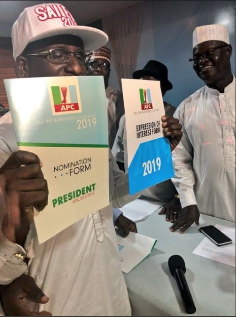 Photo of 2019 Elections: Buhari Obtains Presidential Nomination Form