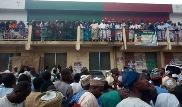 Photo of Kano PDP Protests, Burn Secondus' Posters For Making Kwankwaso Leader