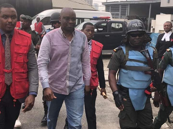 Photo of EFCC vs Fayose: Judge Orders Fayose Out of Court