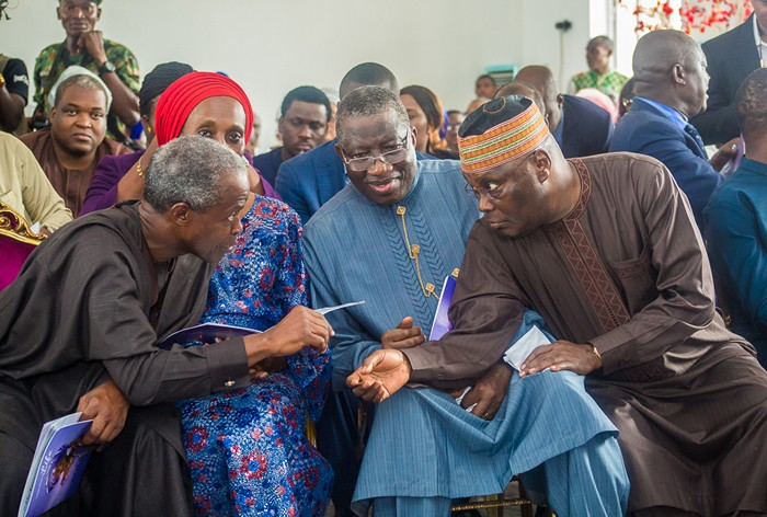Photo of PHOTOS NEWS: Jonathan, Osinbajo, Atiku, others attend interdenominational commendation service of Dickson's mother