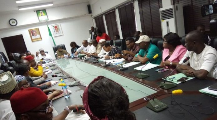 Photo of INEC Meets ASUU, Considers Recalling Ex-corps Members For Election Duty