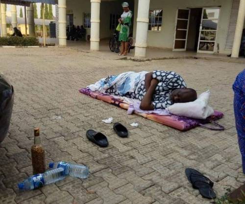 Photo of Drama as Melaye refuses to enter DSS hospital, sleeps on the bare floor in the premises