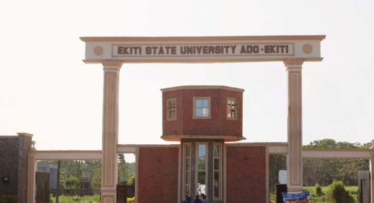 Photo of BREAKING: Ekiti varsity students protest over arrest 'yahoo boys' on campus