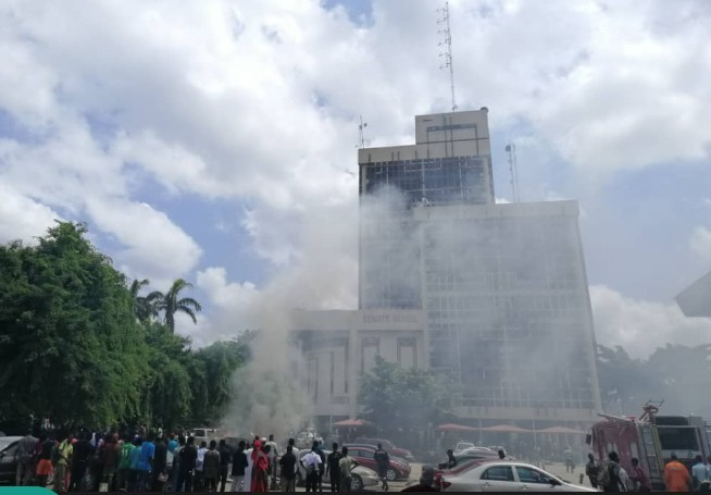 Photo of Fire Outbreak In UNILAG, Car Explodes