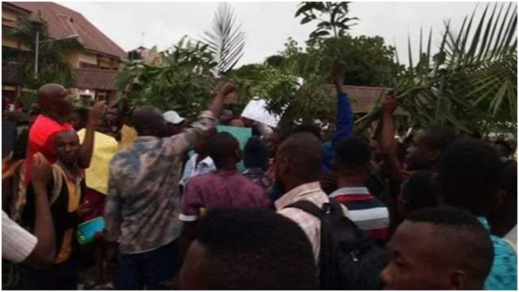 Photo of BREAKING: Jukun militias invade Federal University, kill lecturer, two students