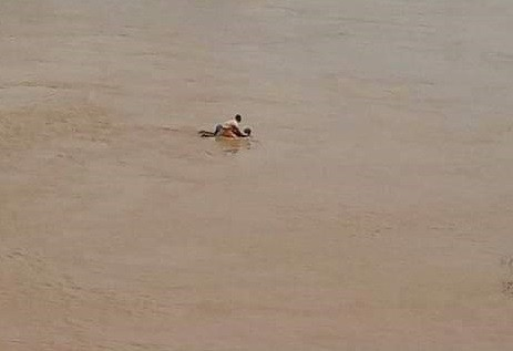 Photo of Woman Rescued As She Jumps Into A River In Kogi