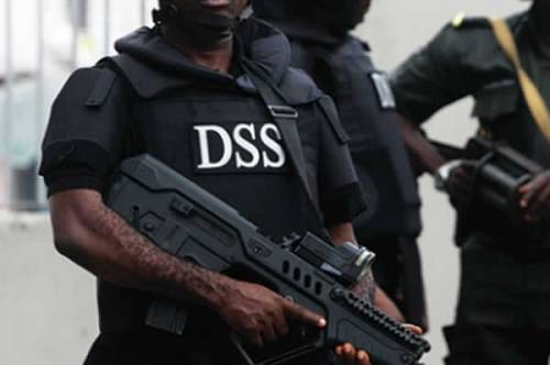 Photo of DSS Arrests Ex-Daily Trust Editor Over Facebook Post Endorsing 'RevolutionNow' Protest