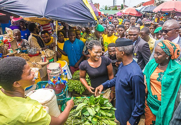 Photo of Guber Polls: Osinbajo Resumes Sharing N10,000 Tradermoni In Bayelsa, Kogi
