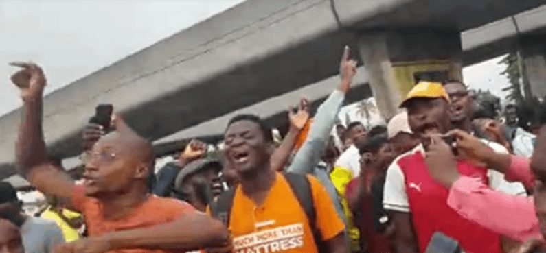 Photo of 'RevolutionNow' activists storm NHRC in Abuja