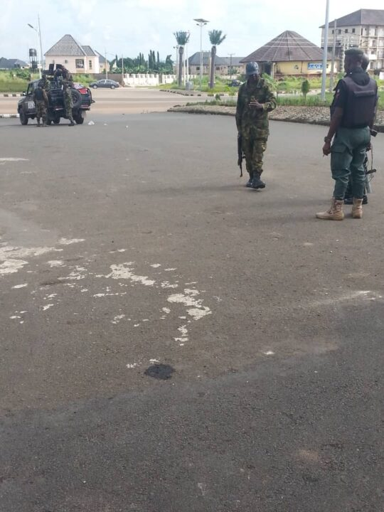 Photo of Soldiers, Police mount in front of Okorocha's residence In Owerri