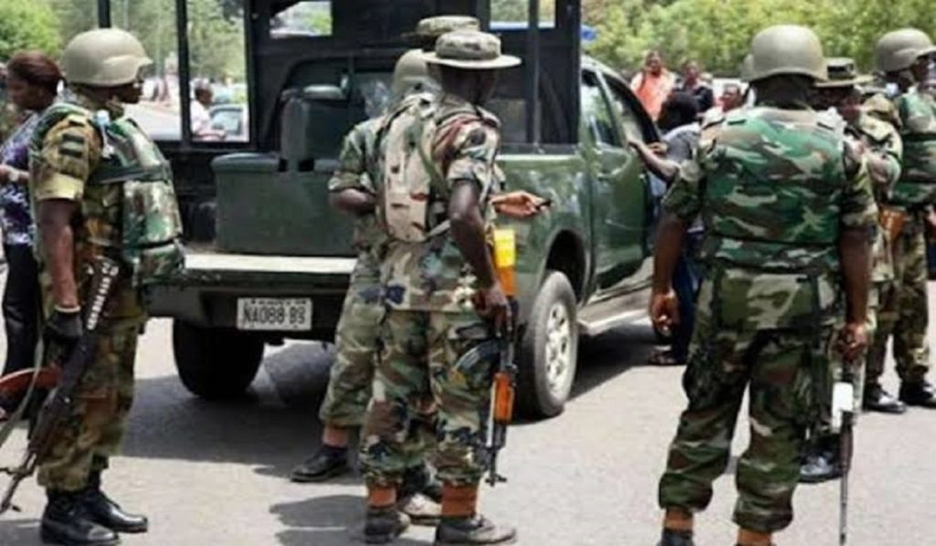 Photo of 3 Feared Dead, Many Injured As Soldiers, Kidnappers Exchange Of Gunfire In Kogi