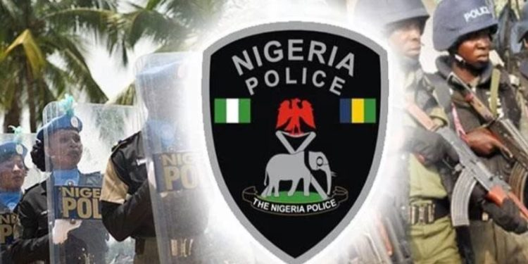 Photo of BREAKING: Policeman kills wife, self in Lagos