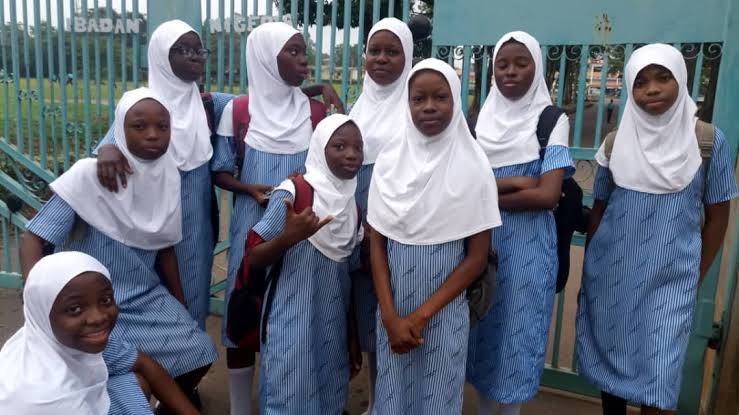 Photo of Secondary school student gets two weeks suspension for wearing Ijab