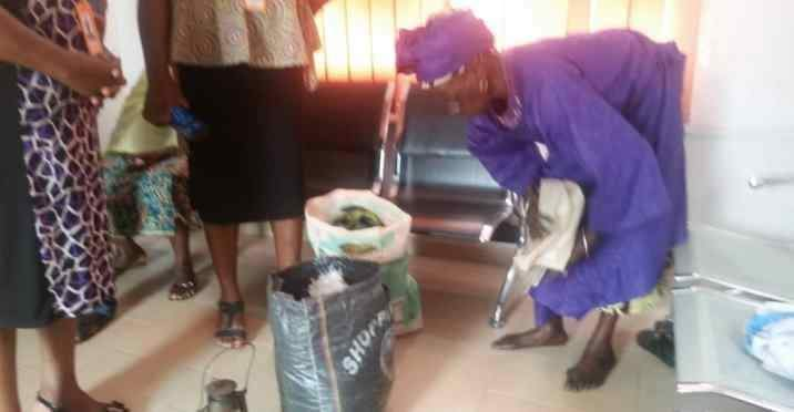 Photo of Drama as 70-year-old woman relocates to NEPA office in Osogbo over electricity