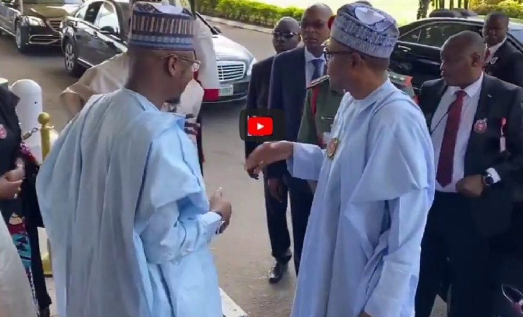 Photo of VIDEO: Buhari 'Snubbing' Tinubu Publicly, Nigerians React