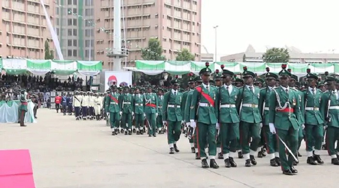 Photo of Nigerian Military Retires 527 Soldiers