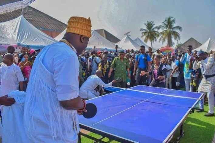 Photo of Video: Ooni Plays Table Tennis With Children