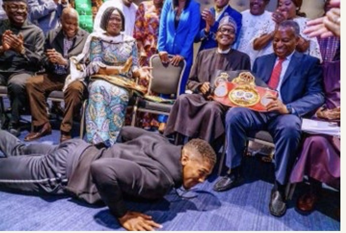 Photo of VIDEO $ PHOTOS: Anthony Joshua Presents Heavyweight Titles To Buhari In UK
