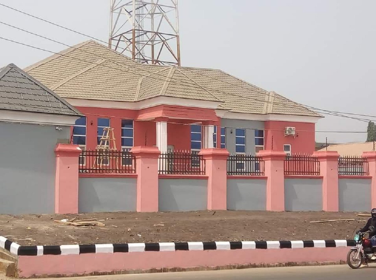 Photo of Olanipekun's Radio Station Sacks 13 Staff Three Months after Takeoff in Ekiti