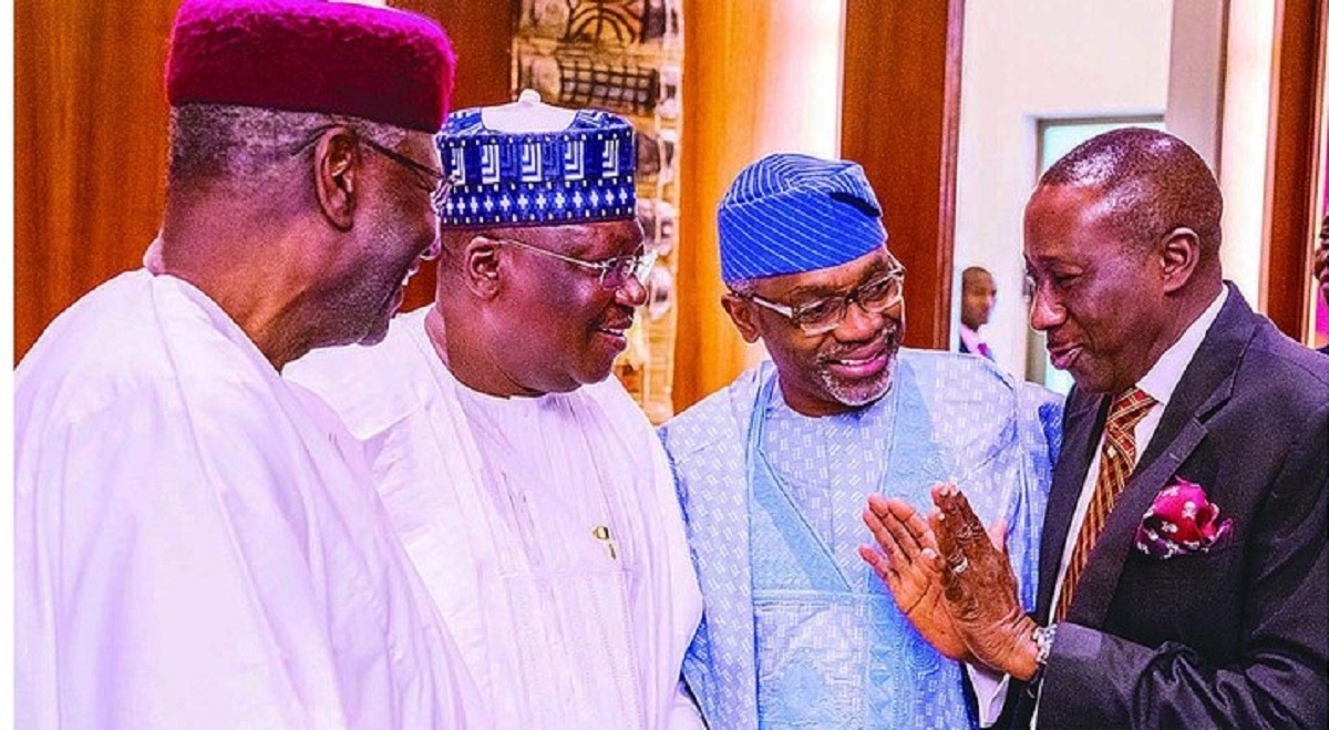 Photo of Drama as NSA, Buhari's Chief of Staff, Kyari meet in Aso Rock