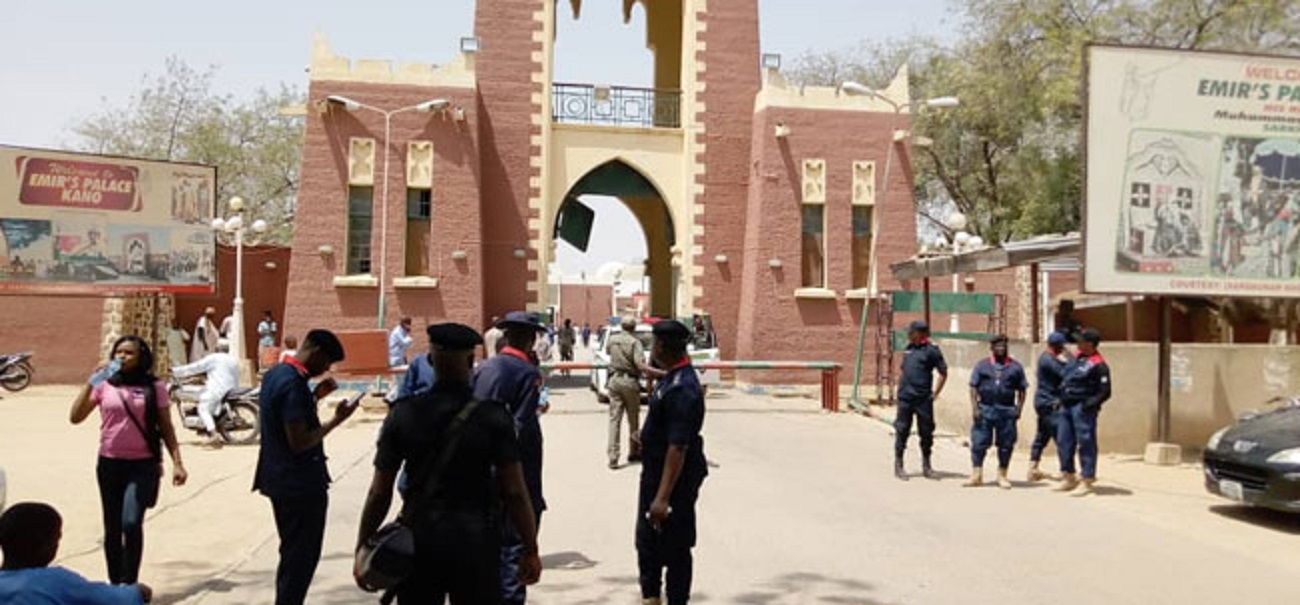Photo of BREAKING: Tension as DSS storm Kano Emir's Palace after Sanusi's Removal