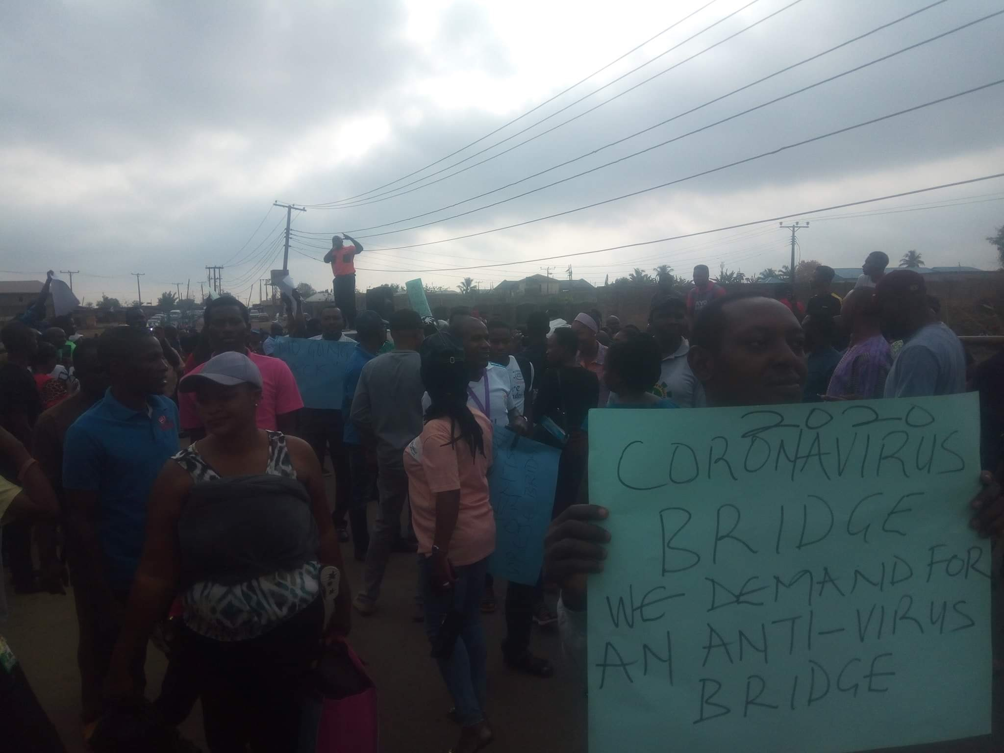 Photo of Students, NASU protest in Ekiti over collapsed bridge