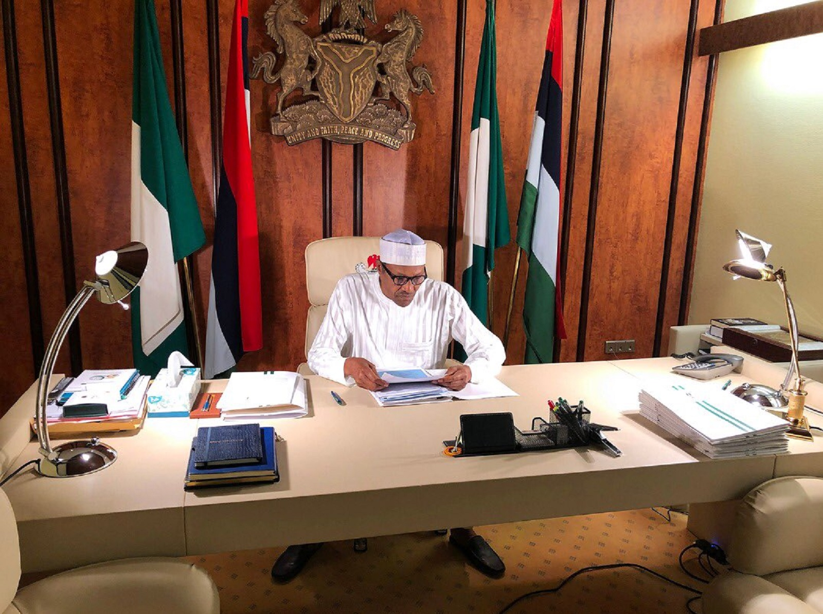 Photo of #WhereisBuhari: Presidency shares photo of Buhari amid worries over his health status