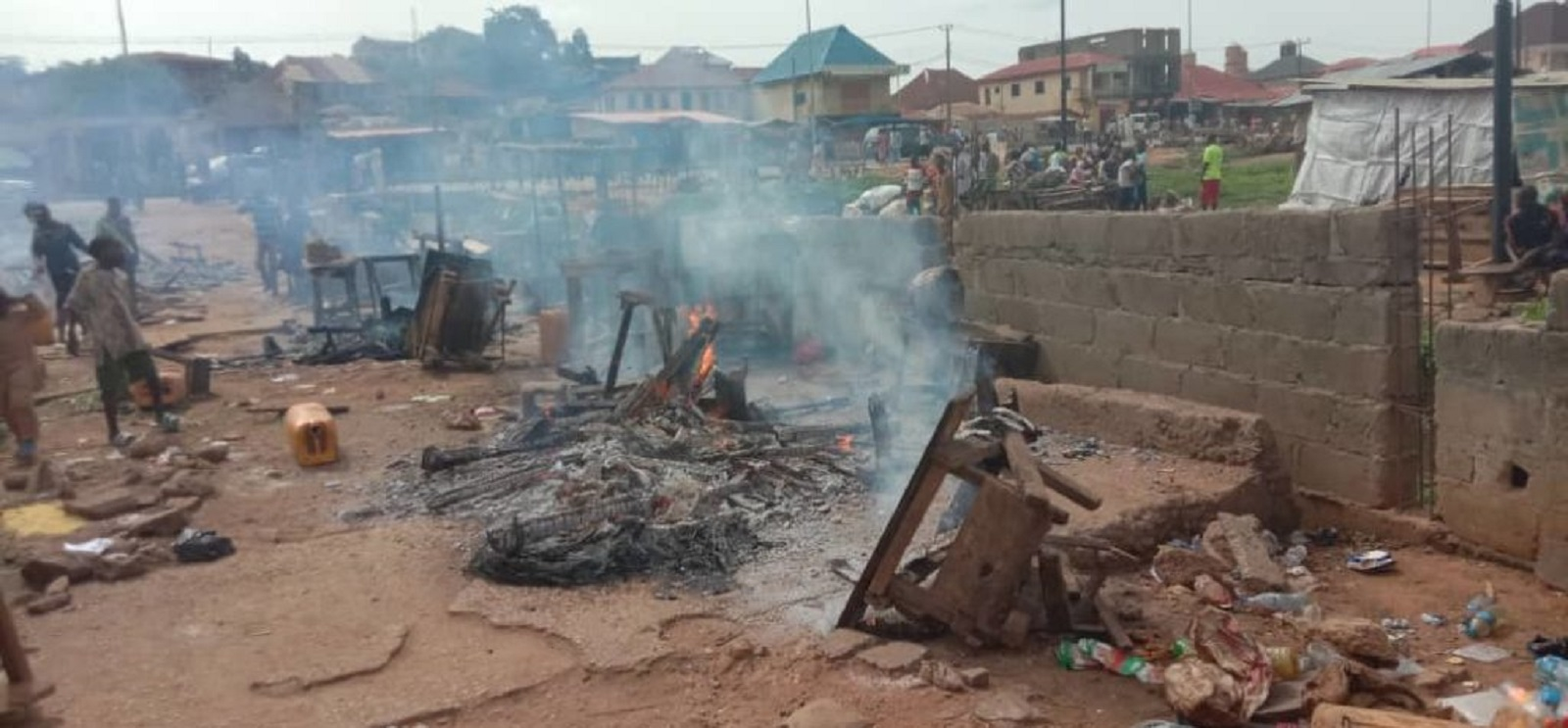 Photo of Lockdown: Fayemi's Aide Set Ekiti Traders' Goods, Shops Ablaze for Violating