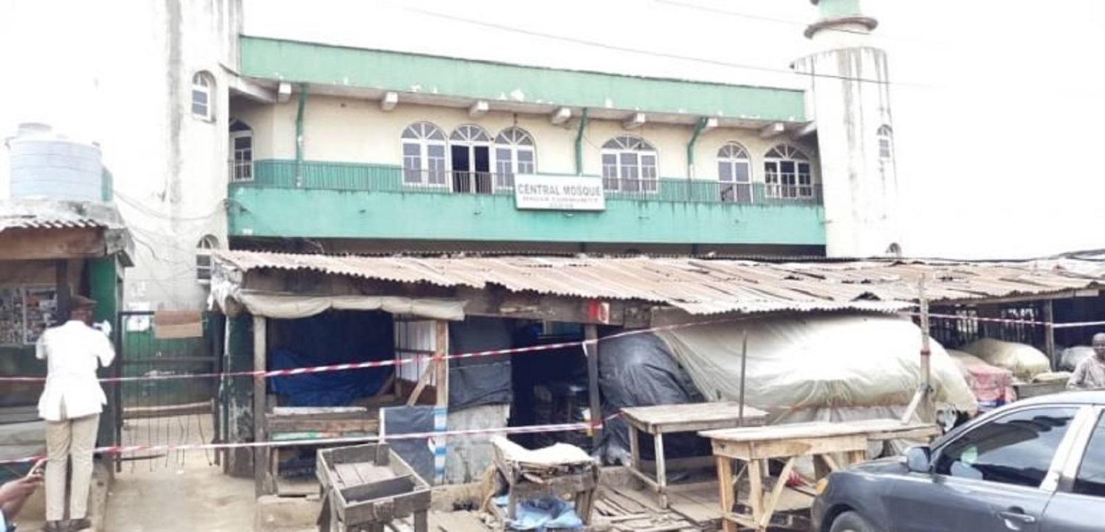 Photo of COVID-19: Lagos Government Seals off Central Mosque over disobeying order