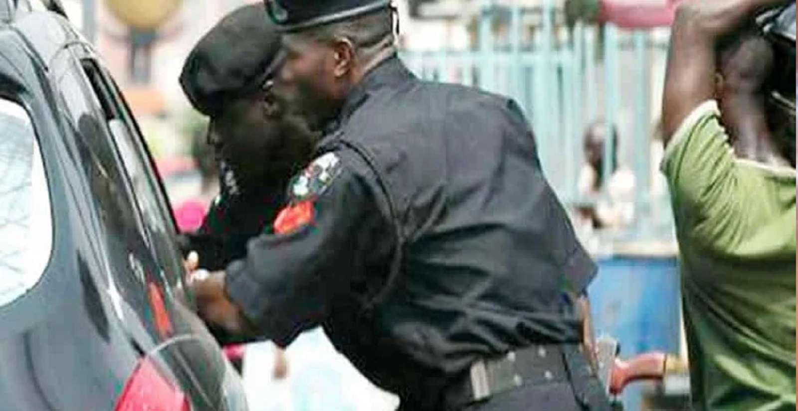 Photo of Lockdown: Passenger coughs, dies at police checkpoint in Osun