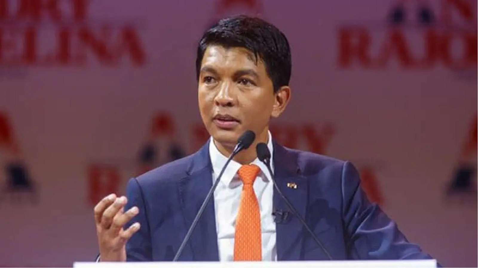 Photo of VIDEO: They bribe us $20m to poison COVID-19 Madagascar cure drug– President Rajoelina