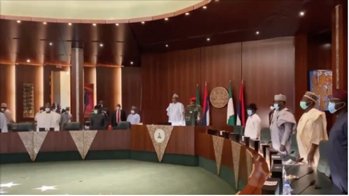 Photo of BREAKING: APC dissolves NWC as Buhari, Lawan, 15 governors in attendance [VIDEO]