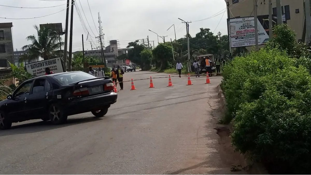 Photo of BREAKING: Tension in Edo as Police, others shut down Edo road