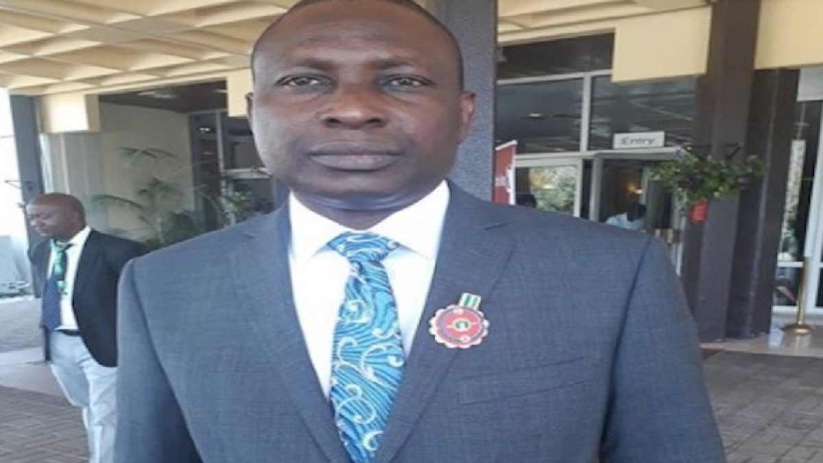 Photo of BREAKING: Buhari Suspends EFCC Secretary Olukoyede, 10 Others