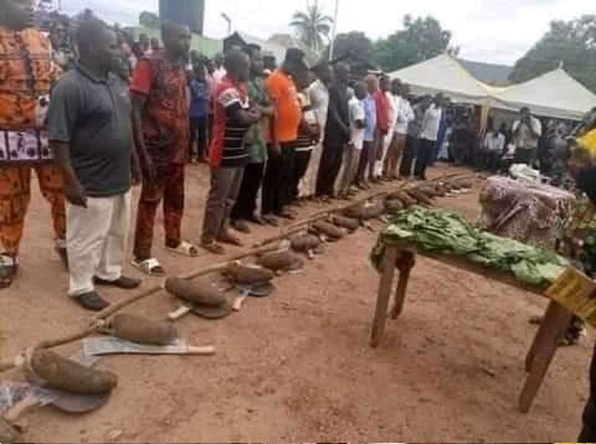 Council Chairman empowers his people with a yam of tuber